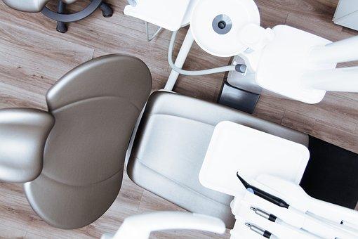 戴牙套矯正過程很痛苦嗎?