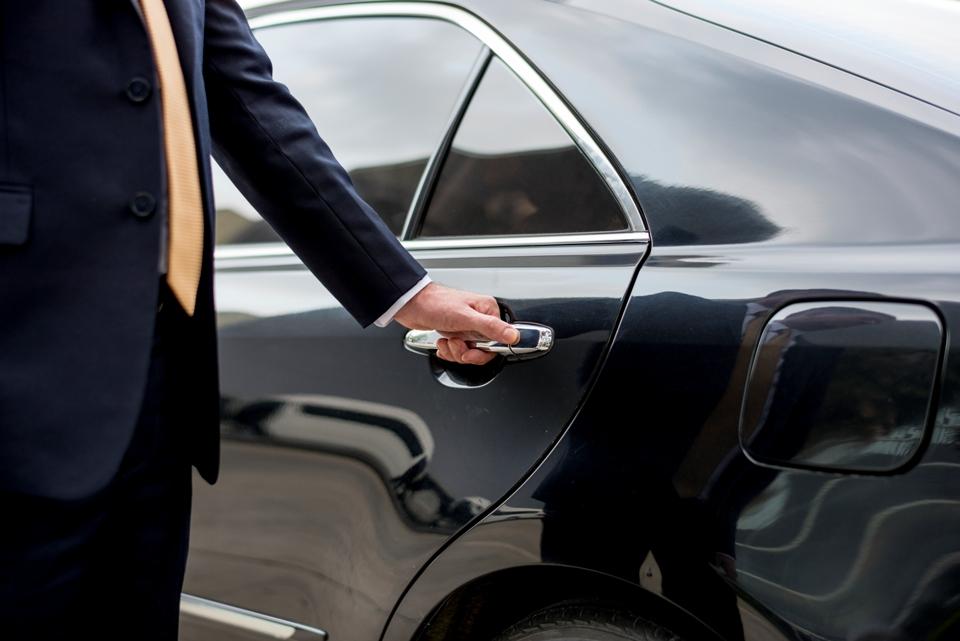 專業中古車買賣團隊,附有第三方專業認證團隊,三大保證
